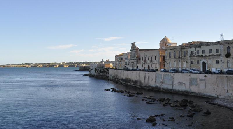 Dove alloggiare a siracusa meglio il centro storico o i for Hotel siracusa centro storico